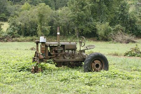 Old-tractor_4058